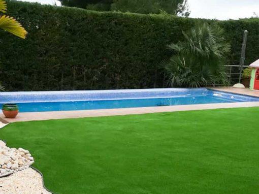 Césped artificial Cashmere alrededor de piscina (Verdforma)